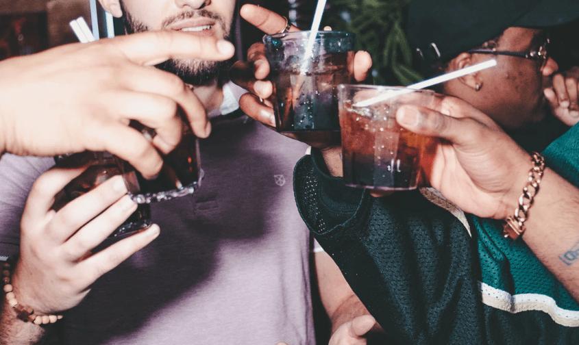 consumo de alcohol en adolescentes