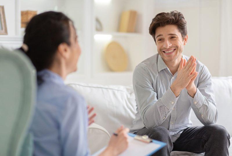 ¿Cómo debe ser una terapia psicológica en adicciones?