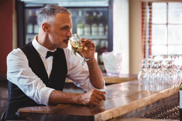 ¿Cómo afecta el alcohol en la hostelería?
